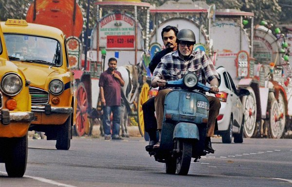 Amitabh-Nawazuddin-Still-from-Movie-Te3n