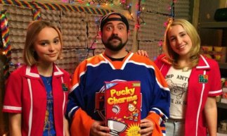 kevin-smiths-yoga-hosers-will-feature-teenaged-yoga-superheroes-733x440